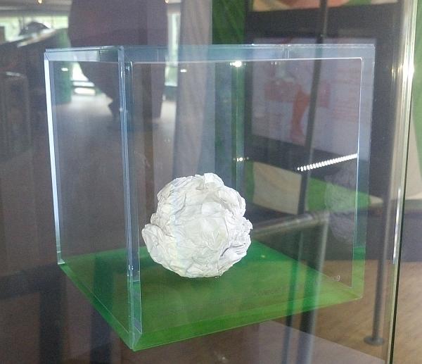 Die Papierkugel im Wuseum