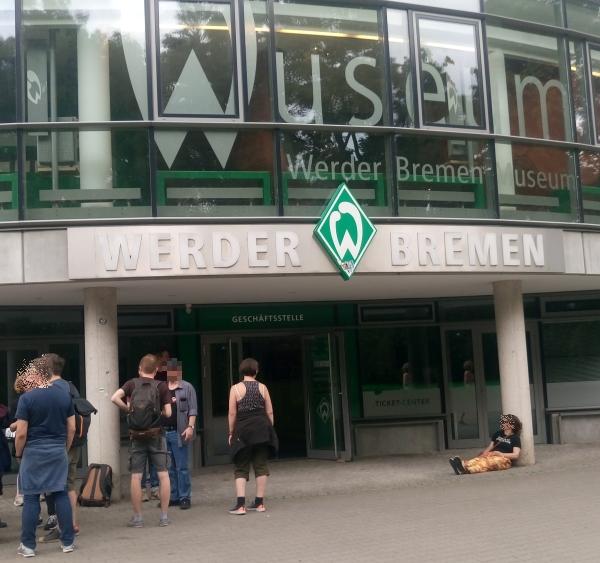 Fassade Weserstadion mit Schriftzug Wuseum